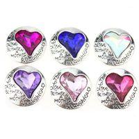 Pulseras de encanto 10 unids / lote al por mayor 18mm Joyería de la joyería de la joyería del rhinestone del vintage del corazón del corazón de los botones de metal Ajuste del brazalete para las mujeres1