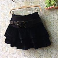 Damen Shorts 2021 Herbst und Winterkuchen Rock Pferd Pompon Feste Farbe Shorts1