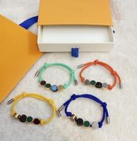 العصرية للجنسين سوار مصمم الأزياء أساور للرجال المرأة مجوهرات قابل للتعديل سحر الأساور 4 ألوان اختياري