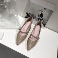 solteiros sapatos mulheres pérola fivela palavra das mulheres dama de honra boca rasa apontou fivela grosso com couro complexos sapatos Guma Li Jane w