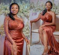 Africaine Plus Size robes de soirée 2021 une épaule manches longues robe de bal avec haute fendus partie formelle de demoiselle d'honneur
