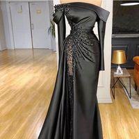 2021 neue sexy schwarze meerjungfrau abendkleider schöpfen schulter lange ärmel kristall perlen satin dubai arabische formale party dress prom kleid