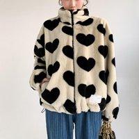 여성용 모피 가짜 베이지 코트 여성 하트 프린트 셰루 파 카와이 겨울 겉옷 귀여운 겨울 겉옷 한국어 패션 의류 C494