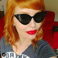 Óculos de sol Vikulsi mulheres retrô gato olho fashion 2021 pernas de metal sexy óculos de sol UV400 Óculos oculos tons feminino