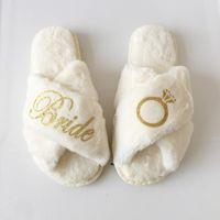 Party Favor Elegante einzigartige personalisierte Hochzeitsteam Braut, um Geschenke Kundenspezifische Namensmädchen der Ehre Brautjungfer Hausschuhe Geschenk für Gäste