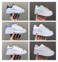 Infant Kids Running Shoes 3M Reflective Blanche et Noir Platform White Leather Sneaker Avant Garde Sports Shoes Toddler Boys Girls Trainer