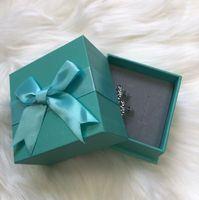 Moda Tasarımcısı Küpe Kadınlar Için Mücevher Parlayan Kristal CZ Elmas Mektup Tarzı Küpe Hediye Kutusu Ile Parti Düğün Için