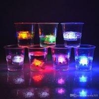 Alta calidad Multi-colores de destello del cubo de hielo de agua-Actived flash flash LED Luz automática de fiesta de la boda de Navidad Bares DH0152