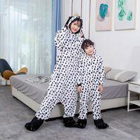 핫 크리스마스 선물 여성 남성 남여 2020 새로운 플란넬 잠옷 가족 의상 달마 티아 점 바디 수트 만화 잠옷을 일치