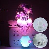Capteur de lumière intelligente fleur romantique champignon de champignons LED lampes LED lumières de nuit mur-clôture murlumination US / EU