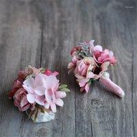 الزهور الزهور أكاليل الزهور الزواج boutonniere رجل boutonholes العروس المعصم الصدار حزب الزفاف الاصطناعي decoraIton wr011