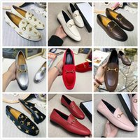 Tasarımcı Kadın Erkek Koşu Ayakkabıları Deri Flats Katır İşlemeli Arı Horsbit Loafer Kız Toka Boyutu 34-45 Kutusu Ile Birçok Renk Stokta