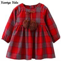 Kseniya niños otoño 2017 algodón rojo amarillo niñas ropa inglaterra estilo plaid pelaje bola bola diseño bebé niñas manga larga vestido y200102