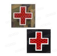 3D Medic Croix-Rouge Patch réfléchissant EMT Patchs IR Patch Militaire Tactique Tactique Caoutchouc de caoutchouc Fixation PVC Glow dans les badges sombres