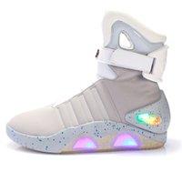 rayzing 남자 부츠 남자와 여자를위한 USB 충전식 LED 신발 미래의 빛나는 사막 부츠 남성에 대 한 캐주얼 신발 패션 신발 201203