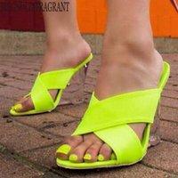 Nuevas mujeres zapatos de verano sandalias de tacón medio de verano retro cruz de pescado pendiente antideslizante flip chanclas mujeres zapatillas playa flip flops hy230