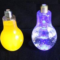 LED لمبة الضوء زجاجة المياه البلاستيكية الحليب عصير زجاجة الماء المتاح مانعة للتسرب شرب كأس مع غطاء الإبداعية DRINKWARE بالجملة EEA2168