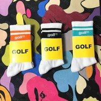 Marca de marea calcetines de cartas de golf a tres colores hipster menta verde naranja calcetines de algodón deportes medio calcetines para hombres y mujeres