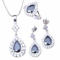 Pendente della collana di trasporto libero al minuto all'ingrosso più nobile cristallo nero Orecchini colore argento anello Imposta T047