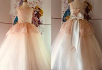 2021 Glamourous Light Blush Flower Girls Dresses Sheer Neck Real Photo Big Bows At Back Applique Pageant Prom Formal First Communion Dress
