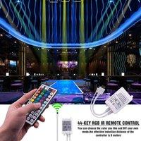 alta qualidade Plastic 150-LED 12V-5050RGB IR44 Light Strip Set com IR Remote Controller (Lamp Branco Plate)