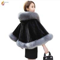 Revestimento com Cap pêlo curto Poncho Manto Parka novidade Vogue Mulheres Imitação Fur Cape Xaile encapuzados Coleção Inverno G749