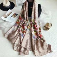 2021 buena calidad clásico floral 100% seda bufanda para las mujeres Nuevo diseño de primavera estilo de flores bufandas largas bufandas bufandas envoltura con etiqueta 180x90cm chales