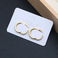Fashion Designer Lettera orecchini Donne orecchini in metallo orecchini alla moda orecchini temperamenti per borchie europa america fascino gioielli regalo signore regalo