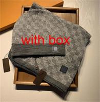 66 Bufandas de venta caliente Sets Mujeres Hombre Hombre Punto Bufanda y Sombrero Conjunto de invierno Sombreros Cálidos y Bufandas Sombrero Beanie Para Hombres Con Caja