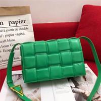 2021 Welle der europäischen und amerikanischen Mode Taschen Leder gewebtes Kissen Tofu Packet Network Red Retro Small Square Paket Weibliche Schulter Messe