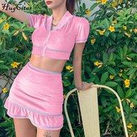 HUGCARITE Funda corta con crujía sexy Falda superior con volantes 2 piezas Conjunto de verano Moda Streetwear Traje Y200824