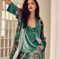 Мода осень многоцветный печать бархатные женщины 3 штуки Pajama наборы зима старинные сексуальные халаты элегантные женские ночные одежды E2582 Y200425