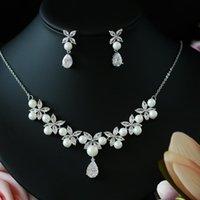 ASNORA Perlen-Kostüm-Frauen Schmucksets Weiß CZ Ohrringe / hängende Halskette Luxus Braut Hochzeit Schmuck