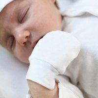 Sombrero Set recién nacidos Guantes para niños de tejer algodón Sombreros y Guantes evitar que se raye y mantener caliente para los casquillos muchachas de los bebés de la raya