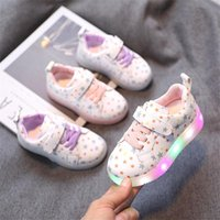 2021 Nouveau Spring Enfants Chaussures Cuir LED Lumière Toddler Girls Sneakers Sneakers Respirant Fashion Enfants Éclairage Chaussures Taille 21-30