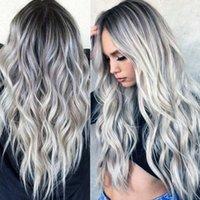 Heißverkaufter Bleichmittel- und Färbungsmedium Split Langes lockiges Haar Cos graue Gradientenanimation Perücke Neue feminisierte Faserkopfabdeckung
