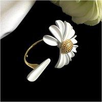 خاتم ديزي الصغير باللون الأبيض والأزياء والأسلوب البسيط والحجم قابل للتعديل، لا تتلاشى وجودة hign والشحن المجاني مع مربع بالجملة