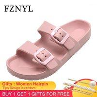Chinelos Fznyl Mulheres Chegada 2021 Moda Slides Ao Ar Livre Senhoras Confortável Deslocado antiderrapante Home Slipper Interior Sapatos Casuais 33-431