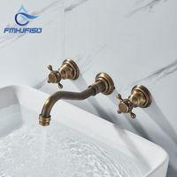 Ottone antico Dual Handle Bathroom Basin rubinetto rubinetto caldo miscelatore a freddo rubinetti a parete a 3 fori tappeto da bagno