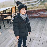 Invierno de los niños de Fashon caliente encapuchado ocasional Niños abrigos para los niños Outerwears gruesa capas de deportes Jackrts traje de Down Parkas