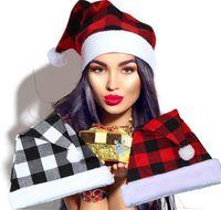 Buffalo Plaid Christmas Cappello Peluche Babbo Natale Cappuccio Berretto rosso Berretti invernali Berretti invernali con Pom Breve Floece Feet Xmas Party Headwear Nuovo LY10292