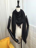 Châle de triangle féminin de marque de marque 140 * 140 cm de coton coton teint de fil de fil carré