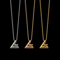 Mode New Titanium Stahl V Brief Anhänger Damen Halskette Kristall Schmuck Geeignet für Geschenke
