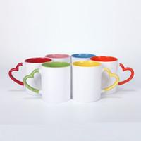 Sublimação Canecas Cerâmica 11oz Copo de Sublimação Branco com Coração Punho Colorido Inner Coating Garrafa de água Copo de café