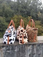 2021 Nuevo fin de semana Bolsa de viaje Furry Cow Leopard Leopard Print Travel Distancia Bolso de gran capacidad de gran capacidad Bolso peludo
