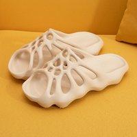 2020 Kadın Yaz Terlik Bahçe Takunya Üzerinde Kayma Yumuşak Nefes Rahat Sneakers Plaj Terlik Kauçuk Crocks Su Duş Ayakkabıları X1020