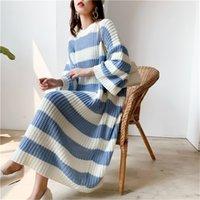 Lanmrem полоса экипажа шеи пуловер свитер Женщины осень зима новых свободных больших размеров старинные длинные вязать платье женский PC442 201130