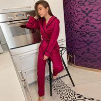 Ropa de dormir de las mujeres Hiloc manga larga Satén Robe conjuntos de invierno Pijamas para las mujeres para las mujeres Conjunto de dos piezas Top y pantalones Bolsillo elegante Traje