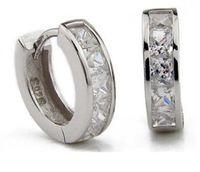 Schweiziska Diamantörhängen Nya Smycken 925 Sterling Silver Örhängen Hoop Ear Cuff Clips Mens Örhängen Stud för bröllopsfest PS0078