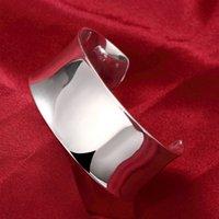 Pure New Arrival 925 Sterlingsilber-Armband-Armbänder der Frauen glatt öffnen Armband Modeschmuck-Verpflichtungs-Weihnachtsgeschenk